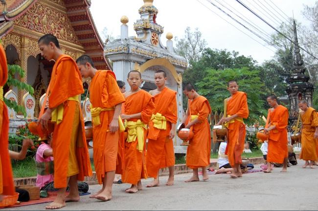 bonzes-laotiens