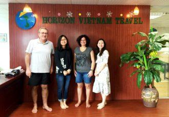 beau-voyage-avec-horizon-vietnam-travel-photo-au-bureau-hanoi
